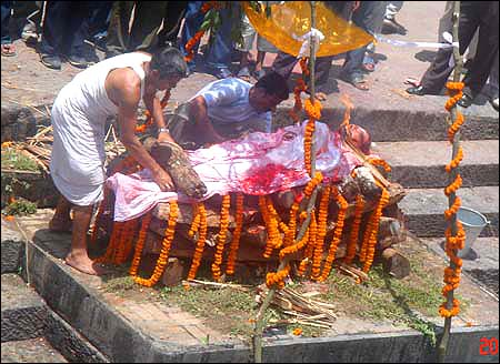 hindu death rituals The garuda purana is the authoritative text on death, dying and the post mortem rituals the following is the gist of what should be done on the death of a loved one.